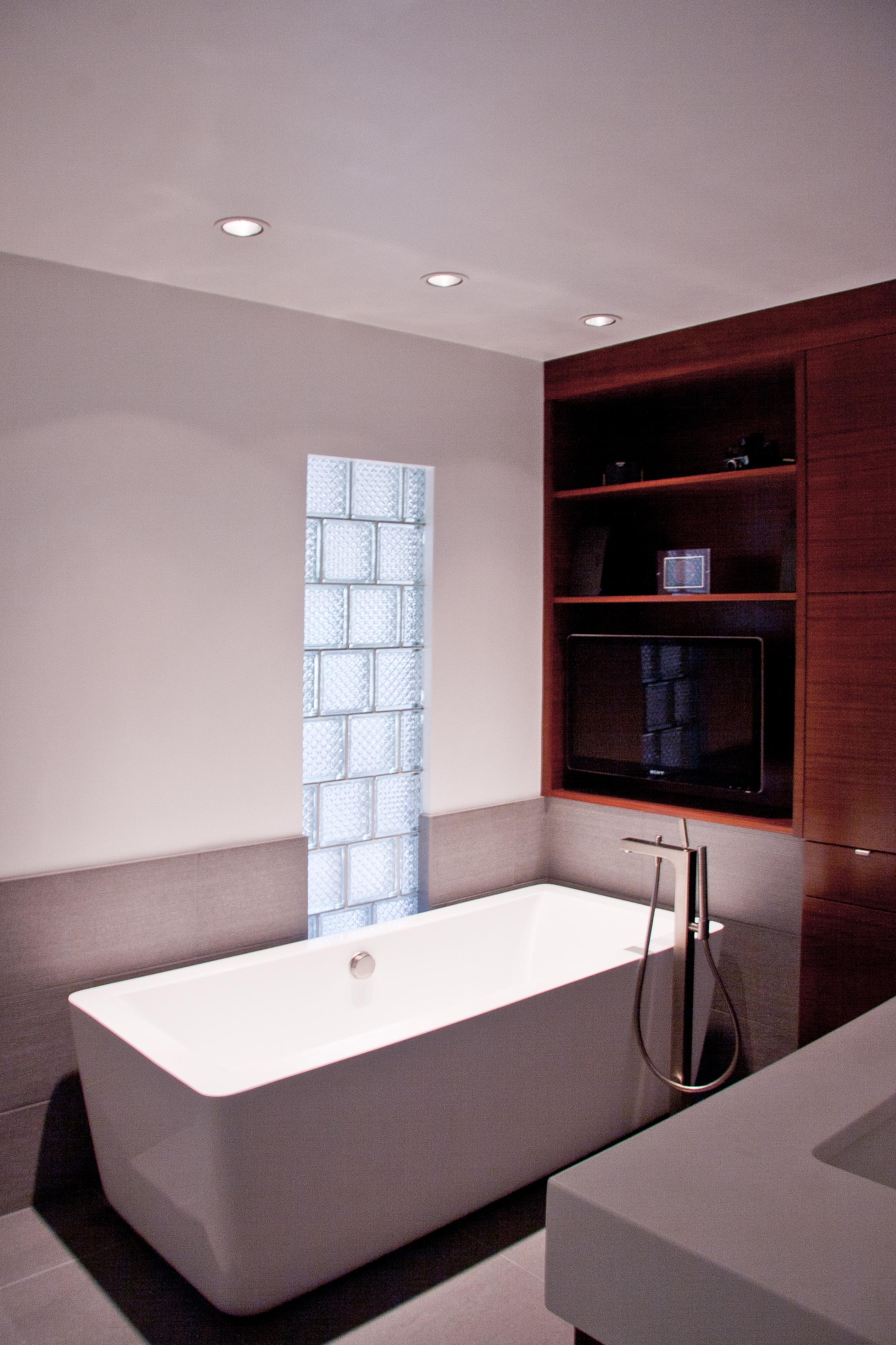 B & W Bathroom 2012 | Alex Freddi Construction, LLC.